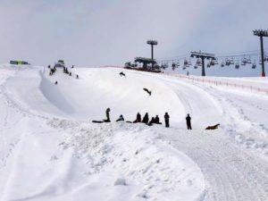 石打丸山スキー場のモンスターパイプ