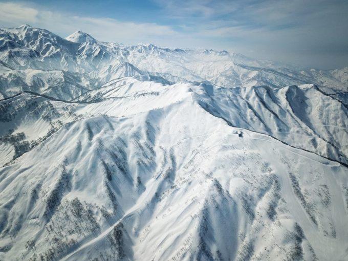 ロッテアライリゾートのスキー場全景