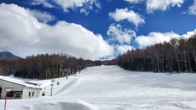 湯の丸スキー場の全景