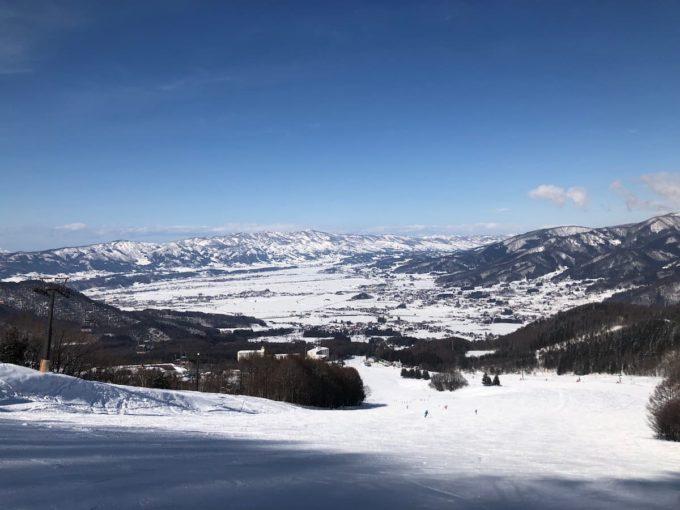 木島平スキー場の全景